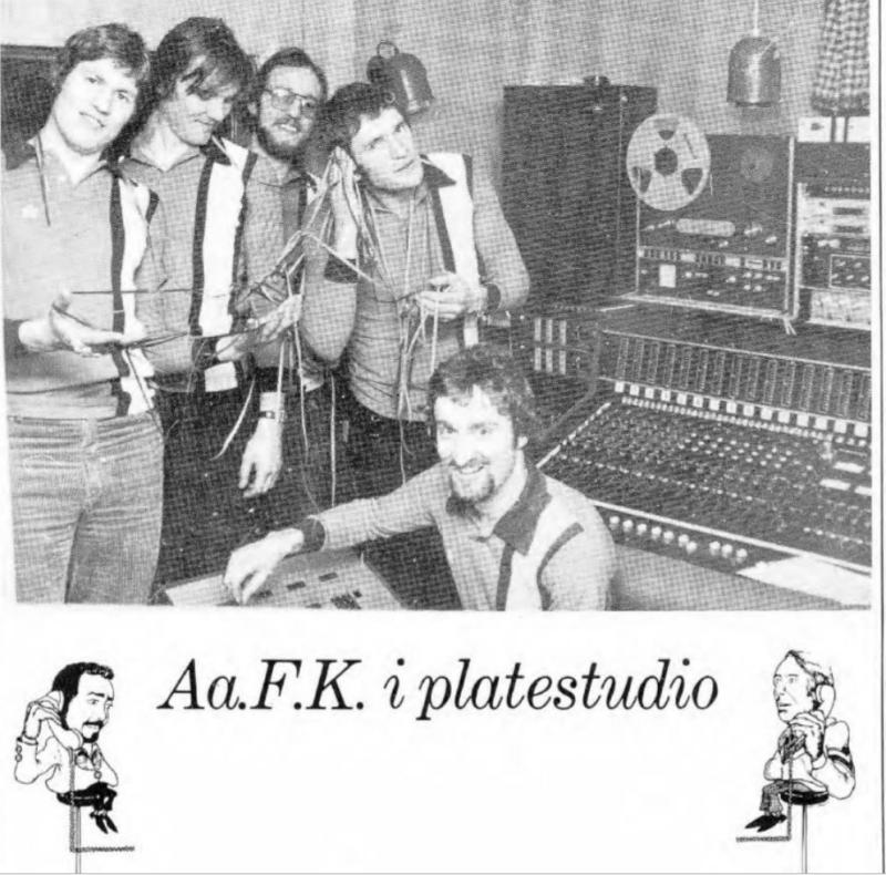 """AaFK-gutta sang av full hals i studio da """"Vi slår til"""" ble spilt inn."""