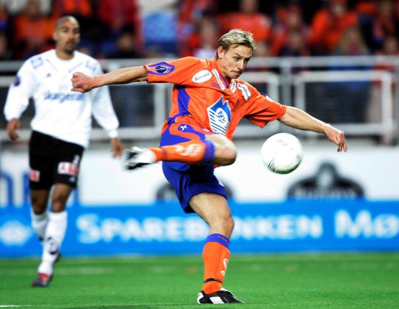 Lasse Olsen fikk stjernetreff i åpningskampen på Color Line Stadion og utlignet til 1-1 i det 89.minutt. Foto: Tor Richardsen / NTB Scanpix