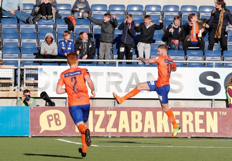Lars Veldwijk jubler for sin første AaFK-scoring. Foto: NTB Scanpix