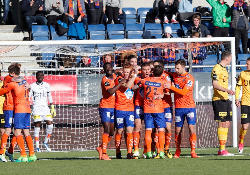 AaFK feirer Daniel Gretarssons 1-0 scoring. Foto: NTB Scanpix