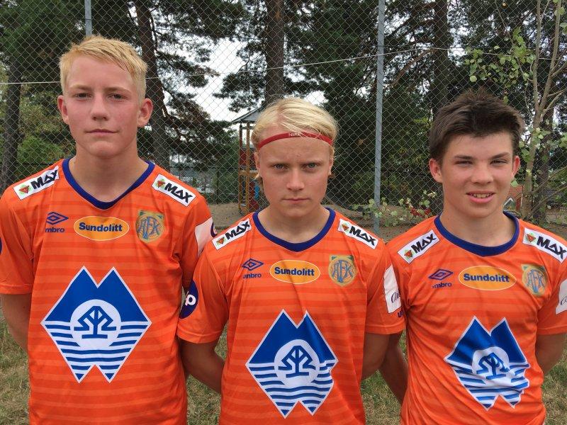 En flott AaFK-trio som ga G16-gutta 3-0 mot Tertnes. Fra venstre: Tobias Flem, Sverre Orten og Adrian Olsvik.
