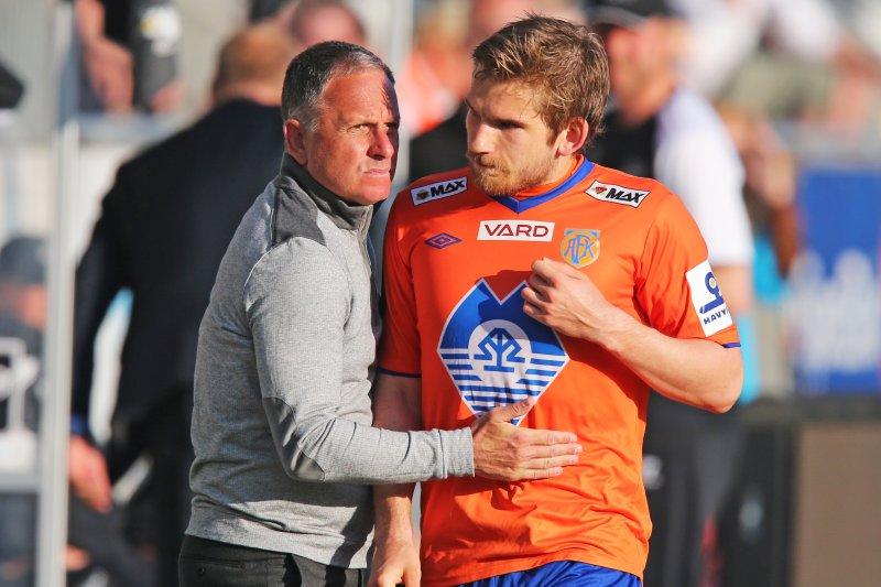 I 2014 var Oddbjørn tilbake i AaFK. Her sammen med daværende trener Jan Jönsson. Foto: Trond Reidar Teigen / NTB scanpix
