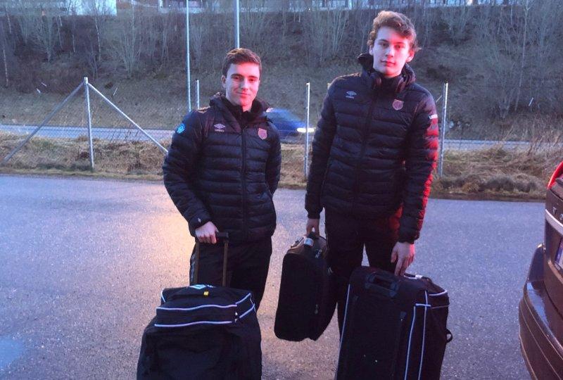 Vetle Fiskerstrand (Til venstre) og Isak Dybvik fra juniorlaget er med a-laget til Marbella.