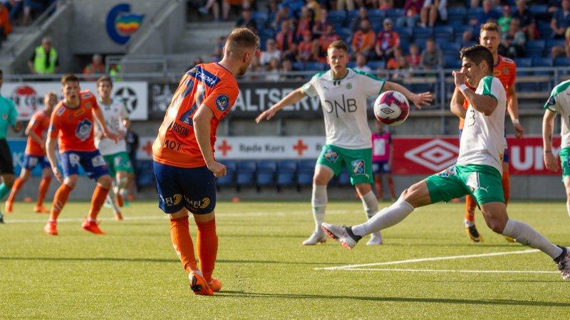 HamKam stakk av med seieren da søndagens kamphaner møttes i vårsesongen. 1-2 endte det på Color Line Stadion. Foto: Srdan Mudrinic.