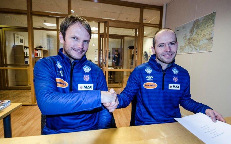 Øyvind Riise Dalseth (tv) er vår nye utviklingsleder. Her samens med sportslig leder i AaFK Bjørn Erik Melland. Foto: aafk.no