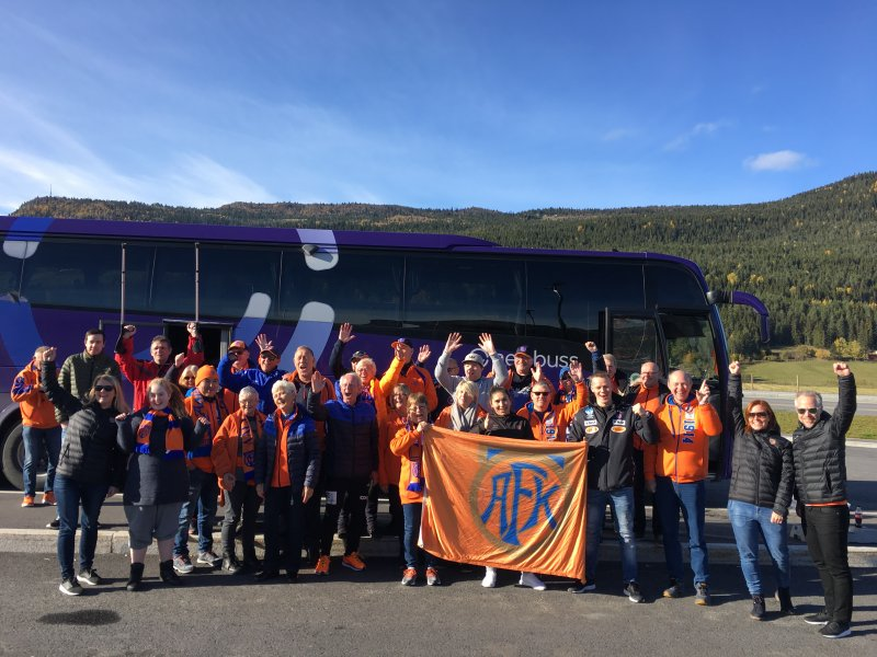 Flere av klubbens ansatte reiste til Hamar med en fin gjeng frivillige AaFK-ildsjeler.