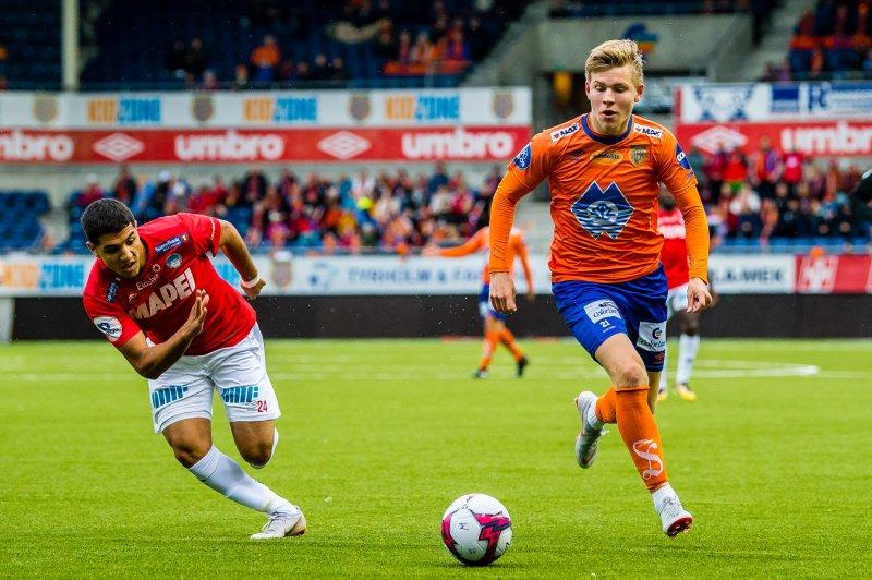 Jens Petter Hauge her i aksjon mot Kongsvinger på Color Line Stadion. Foto: Marius Simensen