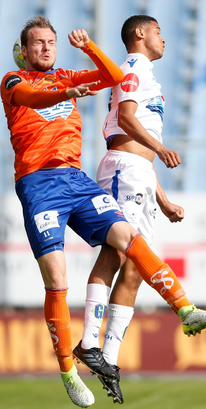 Thrandarson i duell med Bruno Leite. Foto: Jan Kåre Ness / NTB Scanpix