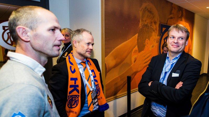 Sportssjef Bjørn Erik Melland (t.v.), daglig leder Geir S. Vik og styreleder Jan Petter Hagen på Color Line Stadion i 2017. Foto: Svein Ove Ekornesvåg / NTB